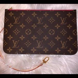 Louis Vuitton Neverfull MM wristlet 100% Authentic